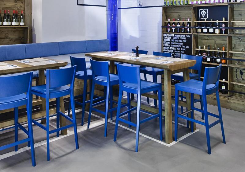 Dřevěné barová židle