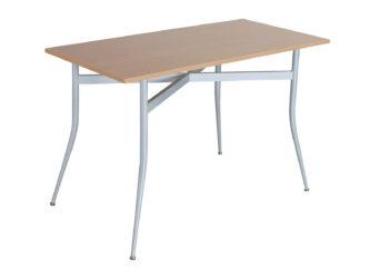 stůl s kovovou konstrukcí