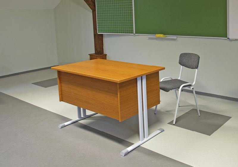 Stoly pro učitele