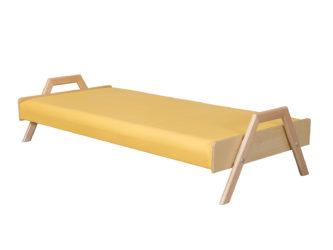 Dřevěné stohovatelné lehátko