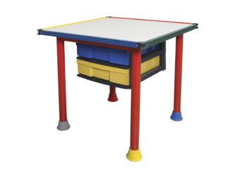 Stůl s tabulovým povrchem na kreslení