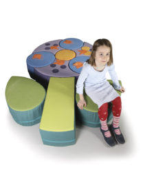 Sedací nábytek ve tvaru květu