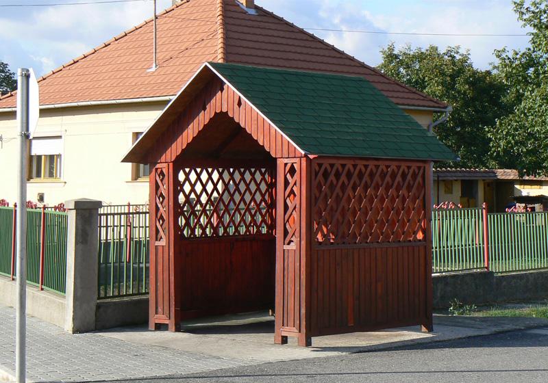 Dřevěné autobusové zastávky