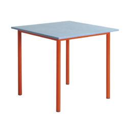 II.stůl 80 × 80 cm
