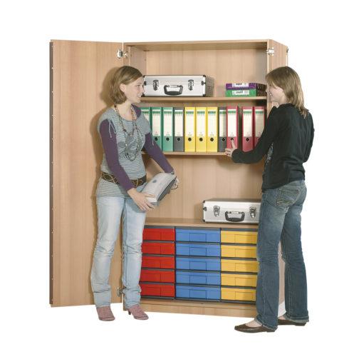 s policemi, 15 ks barevných krabic InBox ve velikosti