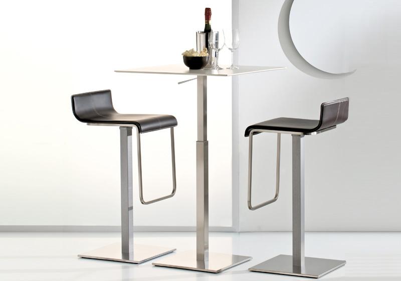 Kovové barové stoly