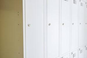 FittMet 30 osmimístné a čtyřmístné dělené šatní skříňky