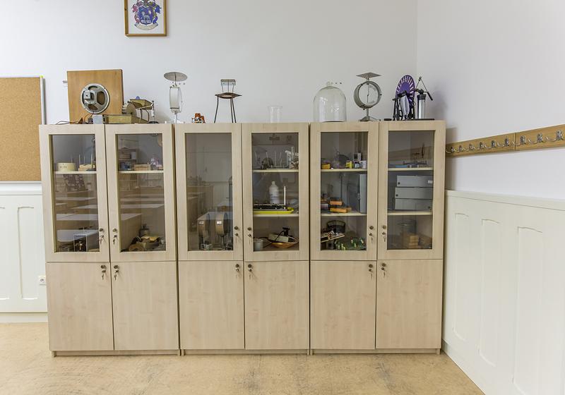 Klasické skříně