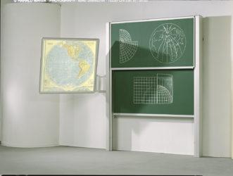 Vario nezávisle posuvná dvojitá nástěnná tabule